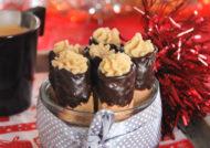 Barquillos con chocolate rellenos de crema de jijona