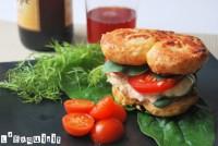 Sandwich-palmera con atún y pepinillos